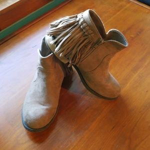 Shoes - Fringe Ankle Boots. Size 6.5